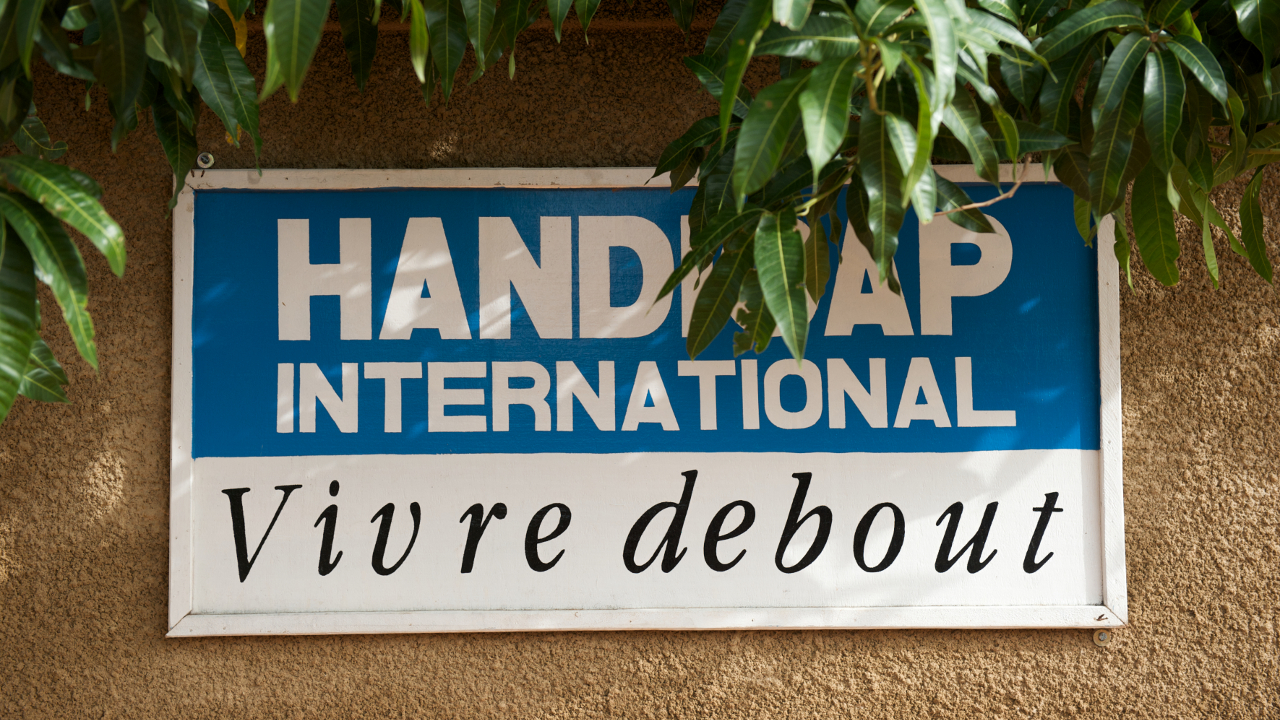 Handicap International, vivre debout